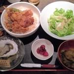 57990761 - 2016.10.26。牡蠣天丼+生牡蠣 850+300→540円