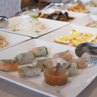 タイ料理ビュッフェ自慢のお惣菜ドリンクが食べ放題!飲み放題!