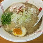 57997415 - 醤油ラーメン¥730                       食欲そそるビジュアルです(^ ^)