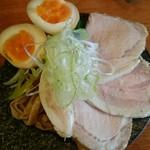 エンターテイ麺ト スタイル ジャンク ストーリー エムアイ レーベル - たまごは+100円