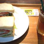 サンドイッチファクトリー・オー・シー・エム - サーモン+クリームチーズ 620円