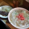 ともちゃん - 料理写真:屋台の〆で長浜ラーメン♪ 意外にもさっぱりした豚骨スープ!
