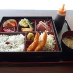 新鮮魚の食堂 すごえもん - 料理写真:すごえもん弁当 720円