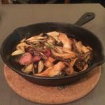 Casual Wine Dining CHIARO - いろいろ木の子のアヒージョ