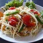 ヤム.タイ - 料理写真:ソムタムタイ 青パパイヤのサラダ