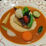 アンフルール - en Fleurs @西葛西 本日のお魚 真鯛のポアレ 10種の野菜添え エスニック風ソース
