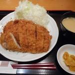 ぎおん亭 - デカ盛りロースかつ定食 2016.9
