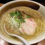 麺屋武一 - 濃厚鶏白湯そば(780円)