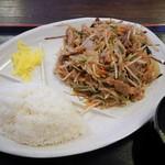 レストラン まるみ屋 - 豚ニラ定食(日替定食)