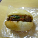 PANAPANA - 料理写真:根菜と豚肉の甘辛ドッグ