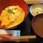 愛宕 酉はら - ふわトロ玉子と焼鳥飯 酉オムライス丼(¥780−)