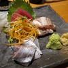 魚真 - 料理写真:3点刺身盛(1人前/¥500−)
