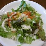 cafe&dining nurikabe - 鶏の塩唐揚げのサラダ