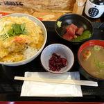 炉端と天ぷら屋台 さくら亭 - さくら亭天丼 1000円