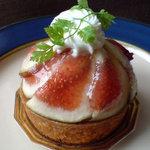 アリマ洋菓子 - 料理写真:いちじくのタルト