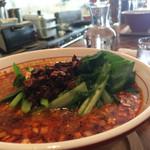 マンボ飯店 - 大盛り 950 想定外に高かったけどお味はうまい。肉味噌手作りっぽい