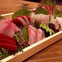 ■よりぬき鮮魚刺身盛り合わせorにぎり寿司