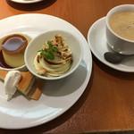 カフェ モロゾフ - 季節限定デザートプレートとコーヒー