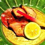 居酒屋 清八 - コース 一部 鶏肉の味噌漬焼