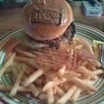 ストーブス - 大人気のハンバーガー