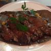 九ちゃん - 料理写真:那須牛の朴葉味噌焼き。柔らかくて香りの良い那須牛を朴葉の上で焼き、味噌を絡めた一品。上質な和牛の脂と味噌がよく合います。