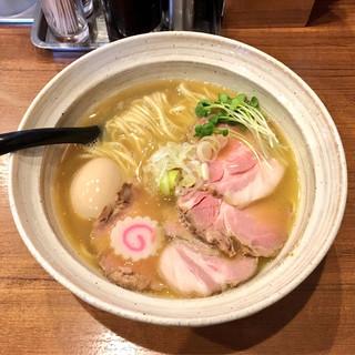 麺屋 NOROMA - 料理写真:特選鶏そば