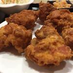 金龍美食 - 鶏の唐揚げ定食850円