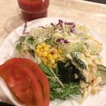 58340340 - 朝食(¥1,080) サラダ盛り付け例、トマトジュース