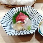 鮨いち伍 - 料理おまかせ12,000円コース:マグロ、ヒラメ、ツブ貝刺身