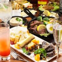 厳選した旬の食材を使った、彩り豊かな料理を心ゆくまで堪能