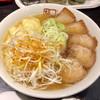 坂内 - 料理写真:喜多方ラーメン並盛りに、辛味ネギとワンタントッピング