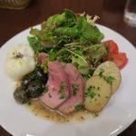 A table - リヨン風サラダ