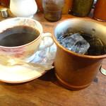 58427880 - ホット珈琲とアイスコーヒー