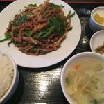 龍泉飯店 - 青椒肉絲定食 ¥780