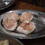 ホルモン俵屋 - ホルモン~☆( 1個食べちゃいました(笑) )