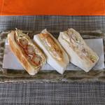 58455258 - 3種類のサンドイッチ                       (エビフライサンド、コーチン玉子サンド、ポテトサンド)