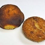川越ベーカリー 楽楽 - 味噌パン、牛筋カレーパン