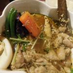 東京ドミニカ - チキンのスープカレー 黄;アップ