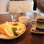 ドットカフェ - コーヒー代プラス150円でセットしたモーニング全景です(2016.11.7)