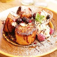Cafe Niil Mare - 厚切りバケットのフレンチトースト