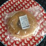 ココベーグル - 2016年10月:グラハムシリアルベーグル(\200)…世田谷パン祭りで購入しました