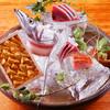 銀平 - 料理写真:『 お造り盛合せ 』 新鮮な旬魚を銀平独特の繊細かつ豪快な盛付を陶芸家の作品に盛り、見た目でもお楽しみいただいております。