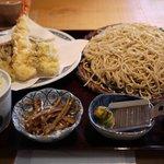 蕎麦処鏑屋響 - 料理写真:天付きせいろ