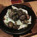 炭火ビストロ 華泉 - 料理写真:知覧どりもも肉の黒焼き