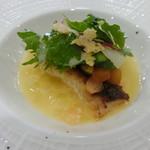 フランス食堂 シェ・モア - 料理写真:市場からのお魚とりんごのシェフスタイルシードルソース