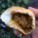 ボンジュールモジョモジョ - ハリネズミ焼きカレーパン