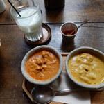 サジロ カフェ - Bセット1,250円を注文。カレーは、チキンと日替わりの2種類
