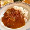 SUKA - 料理写真:チキン・マサラのカレーとサラダ3種。