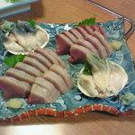 浦島鮨 - かつおと北寄貝のお刺身2人前