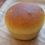 ティーズ ベーカリー - 豆乳クリームパン